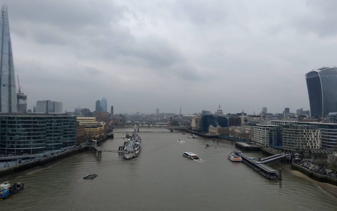 Vistas a Londres desde Tower Bridge.