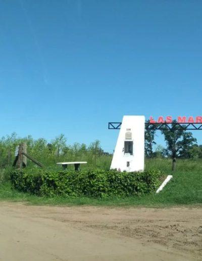 Uno de los accesos a Las Marianas - Buenos Aires.